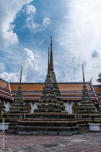 Spoed Foto op Canvas Bedehuis old temple and stupa in Bangkok, Thailand (Wat Pho)
