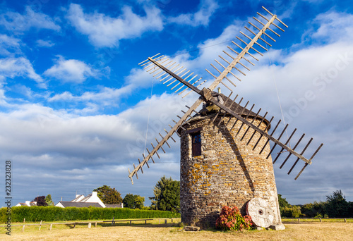 Aluminium Prints Mills Windmühle in der Bretagne