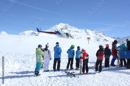 Hélicoptère de secours en montagne-9521