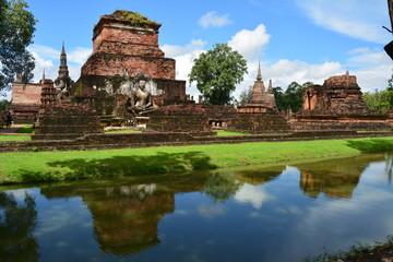 Fototapeta na wymiar Temples de Sukothai Thaïlande - Sukothai Temples Thailand