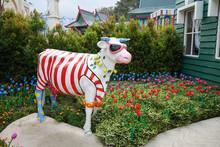 Unique Cow Statue With Ornamen...