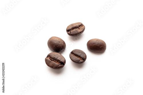 Keuken foto achterwand Koffiebonen Roasted coffee beans on white background.