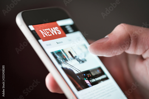Fotomural  Mobile news application in smartphone