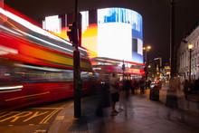 Piccadilly Circus London Bei Nacht Mit Bus, Doppeldecker