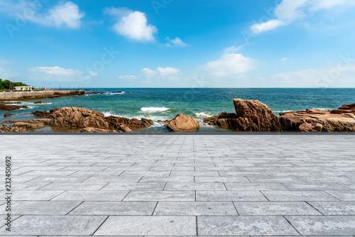 Foto op Aluminium Blauw Slate ground and sky sea
