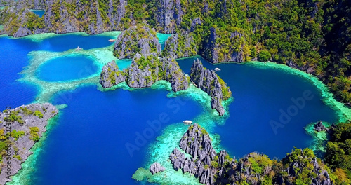 Fotografie, Tablou Overhead View of Deep Blue Coron Lagoons in Palawan, Philippines