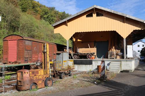 Papiers peints Route 66 Stillgelegter Bahnhof in Deutschland