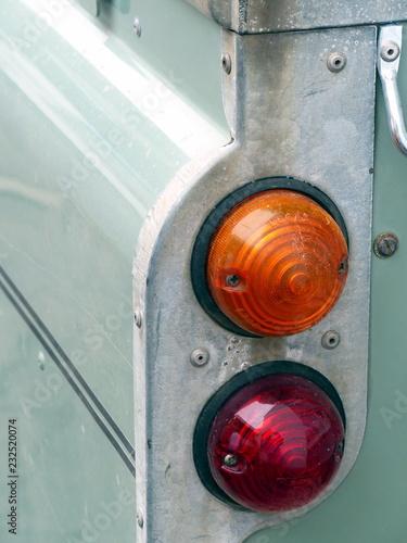 Photo  Runder Blinker und Rückleuchte eines soliden britischen Geländewagen Klassikers