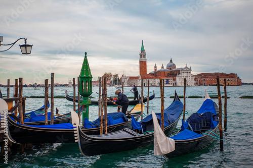 Foto op Plexiglas Venetie Venice canal with gondolas and old architecture