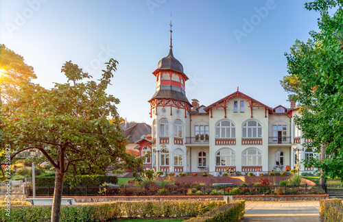 Obraz Strandpromenade Zinnowitz im Herbst  - fototapety do salonu