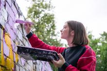 Street Artist Making A New Gra...
