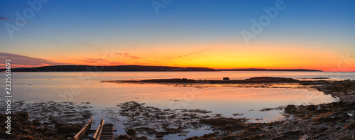 quiet-harbour-sunrise-panorama