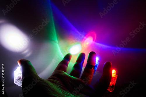 Plakat wielokolorowe światła na palec