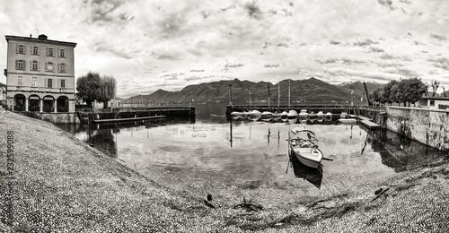 small port of Luino, black and white panorama Canvas-taulu