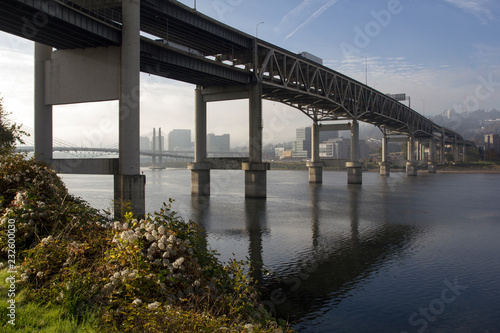 Poster Channel Marquam Bridge over Willamette River on a misty autumn morning in downtown Portland, Oregon.