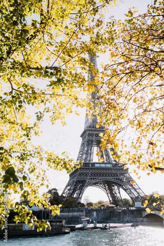 Tuinposter Eiffeltoren Paris in autumn
