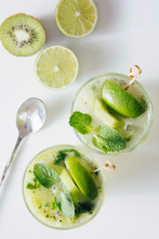 Kiwi-lime-mint Mojito