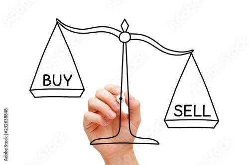 Fotografía  Sell Or Buy Scale Concept