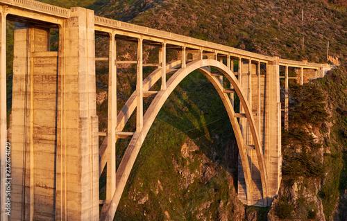 Spoed Foto op Canvas Verenigde Staten Bixby Creek Bridge on Highway 1, California