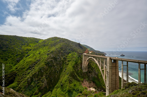 Staande foto Verenigde Staten Bixby Creek Bridge on Highway 1, California