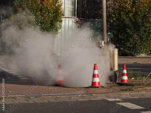 Staande foto Kanaal Kanalversiegelung mit einer Dampfmine