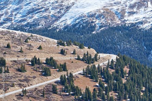 Spoed Foto op Canvas Verenigde Staten Highway in Colorado mountains at autumn