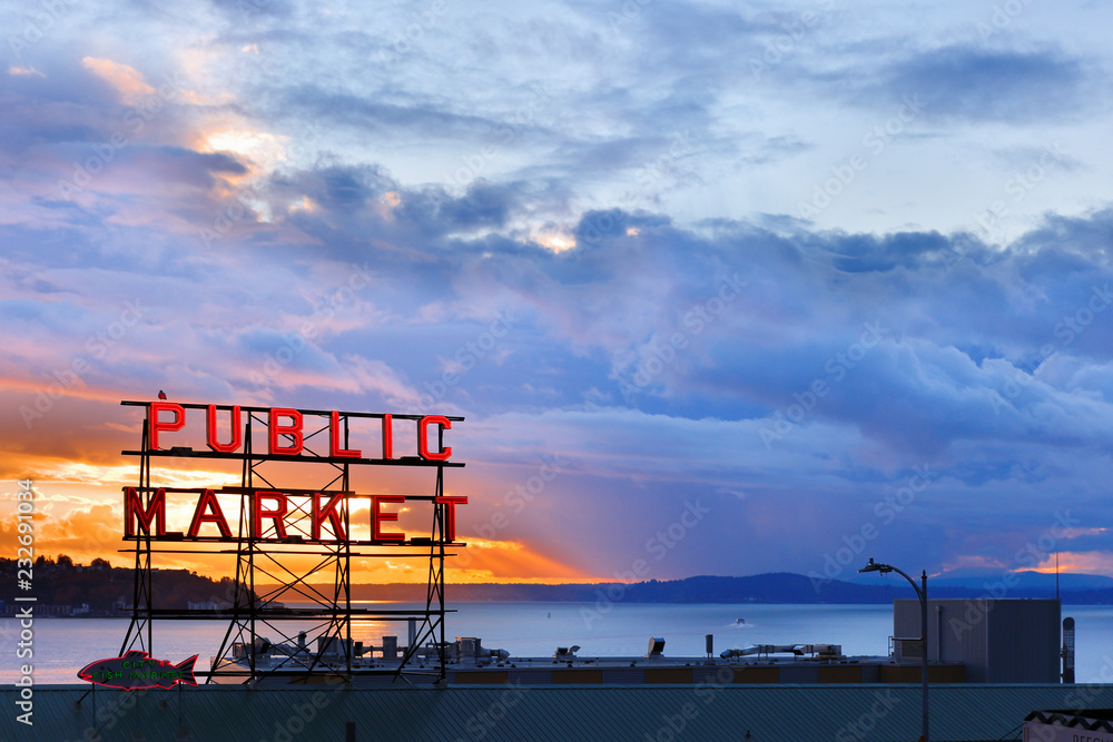 Fototapety, obrazy: The Pike Place Market  in central Seattle waterfront after sunset. The market is one of most popular tourist place.