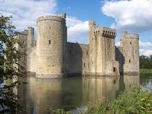 Historic Moated Bodiam Castle ...
