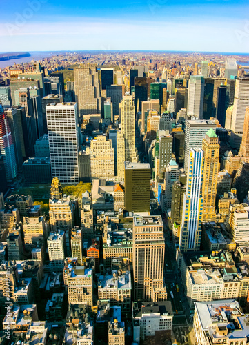 Tuinposter New York City Aerial vertical view over upper Manhattan