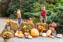 Festive Fall Decor With Scarec...
