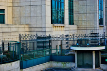 MI6 Building - London - Securi...