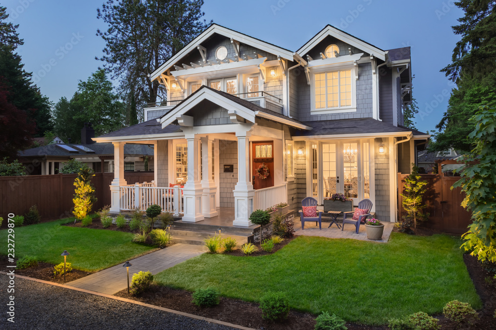 Fototapety, obrazy: Beautiful Home Exterior at Night