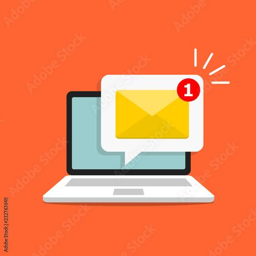 Fotografia  Email alert in laptop