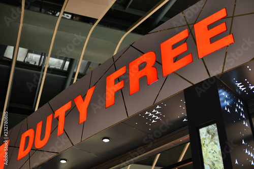 Fotografía  sign of Duty Free shop in airport