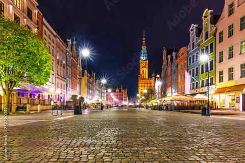 Obraz Ulica Długa w Gdańsku nocą - fototapety do salonu