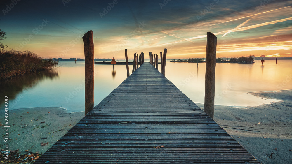 Fototapety, obrazy: Architecture built walkway on the water with perspective, view art and calm water at sunny sunset