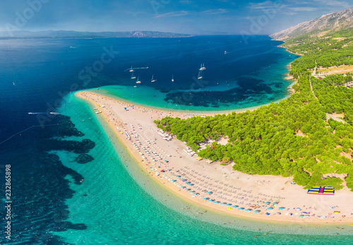 Fényképezés  Famous Zlatni rat beach in Bol, Island Brac, Croatia, Europe