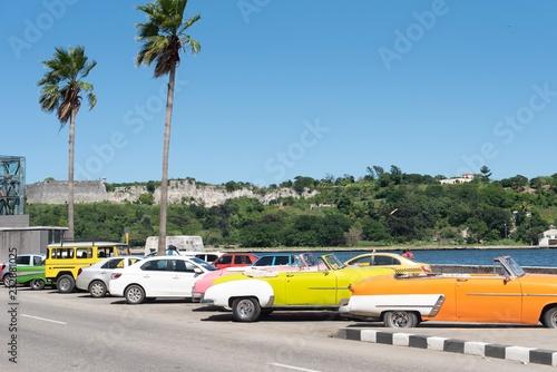 Türaufkleber Autos aus Kuba cars on the road