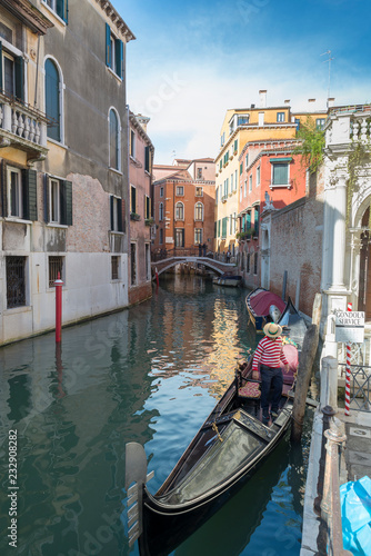 Fototapety, obrazy: VENICE, ITALY- OCTOBER 30, 2018: Traditional narrow canal with gondolas in Venice, Italy