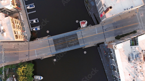 Staande foto Amerikaanse Plekken Milwaukee river in downtown, harbor districts of Milwaukee, Wisconsin, United States. Real estate, condos in downtown. Aerial view, drone flying