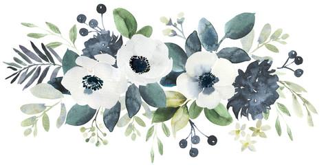Sastav cvjetnog buketa u akvarelu s crno-bijelom kukarom i eukaliptusom