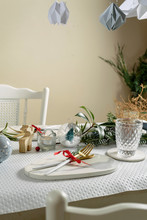 Table Set Gold-white At Christmas