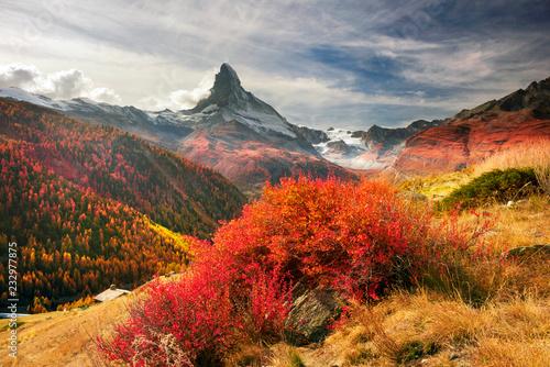 Fotografia Matterhorn slopes in autumn
