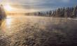 Winter an einem Fluss in Schweden