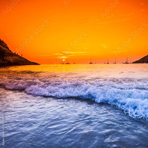 Foto auf Leinwand Rotglühen Sunset with dramatic sky