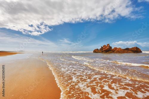 Foto auf AluDibond Rosa dunkel Beautiful Atlantic Ocean landscape somewhere between Essaouira, Morocco