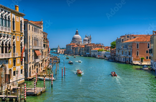 Poster Venise Gorgeous view of the Grand Canal and Basilica Santa Maria della