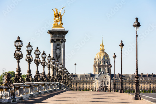 Photo sur Toile Europe Centrale Pont Alexandre III Bridge with Hotel des Invalides. Paris, France