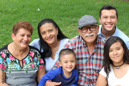 Photo  Hispanic family with good values