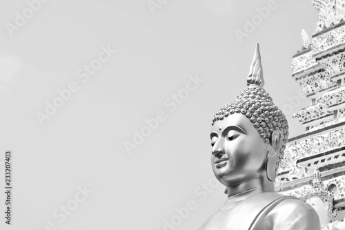 Photo sur Toile Buddha Buddha statue in Thailand temple - monochrome